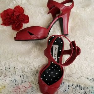 American Eagle platform heels